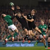 Blessée par un ballon lors du match Irlande-All Blacks, une spectatrice porte plainte