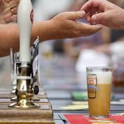 Avec le Mondial, la vente de bières explose en Angleterre