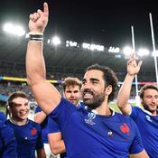 Yoann Huget célèbre la victoire de la France