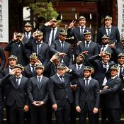 Musique traditionnelle, remise des capes et sanctuaire shinto pour le XV de France