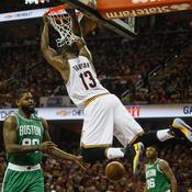 NBA : Tristan Thompson expulsé pour une tape sur les fesses