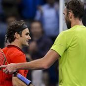 Federer résiste aux balles de Karlovic