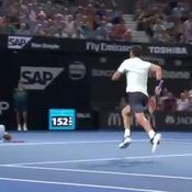 Le beau geste de Dimitrov qui vole au secours de son adversaire blessé