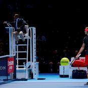 Masters : hué par le public après sa victoire contre Federer, Zverev se confond en excuses