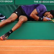 Monte-Carlo : Touché au dos et «frustré», Tsonga, déjà à terre