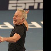 Quand la légende John McEnroe encadre des jeunes joueurs