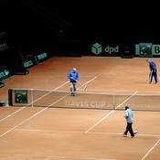 Bosse, marathon nocturne, bénévoles : Comment la Coupe Davis chouchoute sa terre battue avant la finale