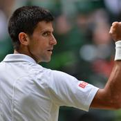 Djokovic serre le poing
