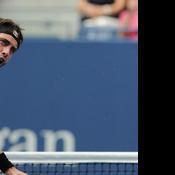 L'adversaire de Rafael Nadal regagne sa chaise… alors qu'il n'y a pas changement de côté