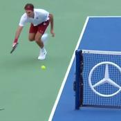 Le coup génial de Federer qui contourne le filet