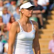 Sharapova et Connors débutent sur un échec