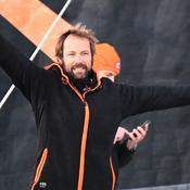 Thomas Coville arrive en héros à Brest