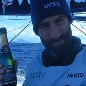 Le Cléac'h a sorti le champagne au passage du cap Horn