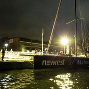 Fabrice Amédéo et le voilier Newrest-Matmut à quai à Rouen