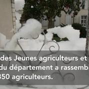 Des agriculteurs inondent la Préfecture de Tarbes