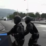 Haïti n'a plus de Président: la police affronte les manifestants à Port-au-Prince