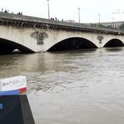 Un pic de crue atteint à Paris