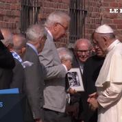 Le pape est à Auschwitz pour rencontrer des survivants et se recueillir