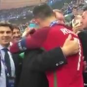 Cristiano Ronaldo très ému de retrouver son mentor dans les tribunes