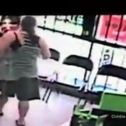 Un homme tente de kidnapper une petite fille dans un magasin