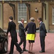 Theresa May nomme Boris Johnson ministre des Affaires étrangères