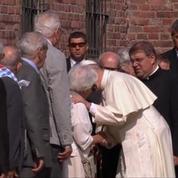 Pologne : Le pape François est resté silencieux pour se recueillir à Auschwitz