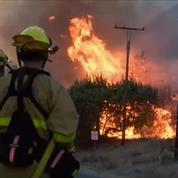 La Californie toujours ravagée par les flammes