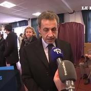 Nicolas Sarkozy au bureau de vote :
