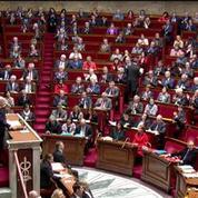 Bernard Cazeneuve passe son grand oral à l'Assemblée nationale