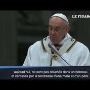 À Noël, le pape François pense aux enfants qui souffrent