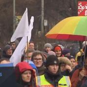 Des manifestants débutent une marche de trois mois reliant Berlin à Alep