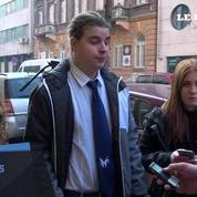 A Budapest, élèves et parents rendent hommage aux victimes de l'accident de car