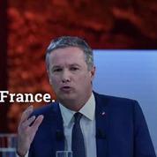 Présidentielle: Le Pen devance Macron de peu