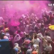L'Inde célèbre Holi, la fête annuelle des couleurs