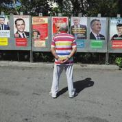 Présidentielle: un nouveau sondage donne Macron en tête