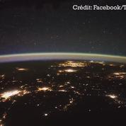 Depuis l'espace, Thomas Pesquet publie des images d'éclairs traversant le ciel californien