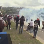 Police et manifestants s'affrontent à Caracas