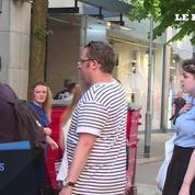Manchester: un jeune musulman offre des « câlins gratuits »