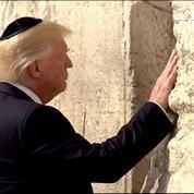 À Jérusalem, Donald Trump se recueille devant le mur des Lamentations