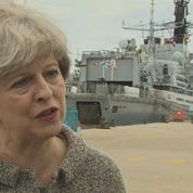 Theresa May s'explique après l'évacuation des tours de Camden