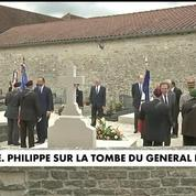 Edouard Philippe sur la tombe du Général de Gaulle