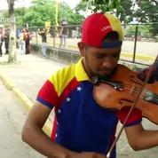 Venezuela : Un jeune violoniste, emblème de la contestation anti-Maduro, blessé dans des heurts
