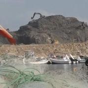 Liban: l'enfouissement d'une «montagne d'ordures» en mer fait polémique