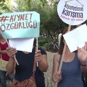 Des Turques dénoncent le harcèlement et les discriminations