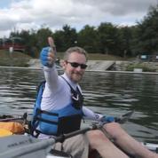 Géraud Paillot, atteint d'une sclérose en plaques, entreprend un voyage en kayak de Paris...à Marseille