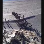 Des soldats indiens et chinois se battent à la frontière entre leurs deux pays