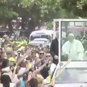 Colombie : le pape légèrement blessé dans la papamobile