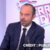 Edouard Philippe demande un peu « d'humilité » à François Hollande