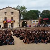 «Aide-nous l'Europe» : une centaine de Catalans forment un message géant