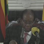 Zimbabwe : Mugabe ne démissionne pas, malgré la pression populaire